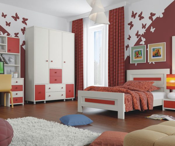 חדר ילדים עם ארון מגירות